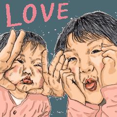 สติ๊กเกอร์ไลน์ Funny Face Sisters from Japan.